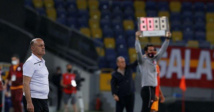 Bursaspor Teknik Direktöre Doymuyor