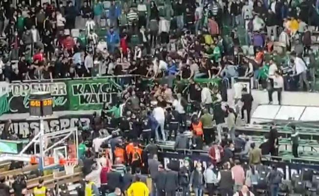 Bursaspor - Beşiktaş Maçında Kavga