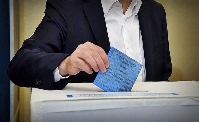 İtalya'da kısmi yerel seçim için halk sandık başında