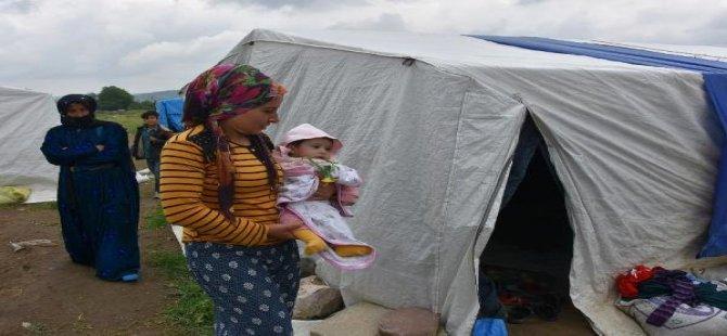 Bursa'ya Tarlalarda Çalışmak İçin Gelen Mevsimlik İşçiler Zor Şartlar Altında Yaşıyor