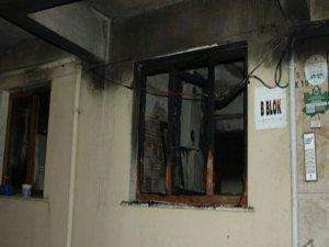 Bursa'da Meydana Gelen Yangından Dolayı 20 Kişi Binada Mahsur Kaldı