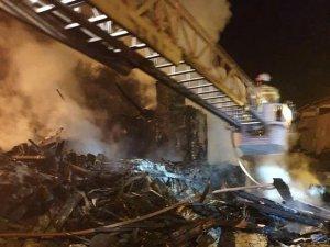 Bursa'da Meydana Gelen Yangın Sonucu Ahşap Ev Kullanılamaz Hale Geldi