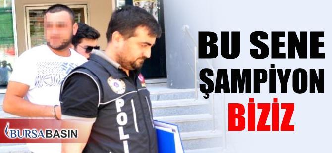 Bursa'da Bir Şüpheli Adliyeye Götürülürken Attığı Sloganla Şaşırttı