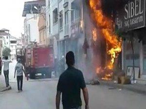 Bursa'da Meydana Gelen Yangın Sonrası İş Yeri Küle Döndü