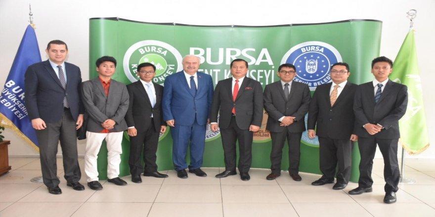 Büyükelçi İkbal'den Konseye Ziyaret