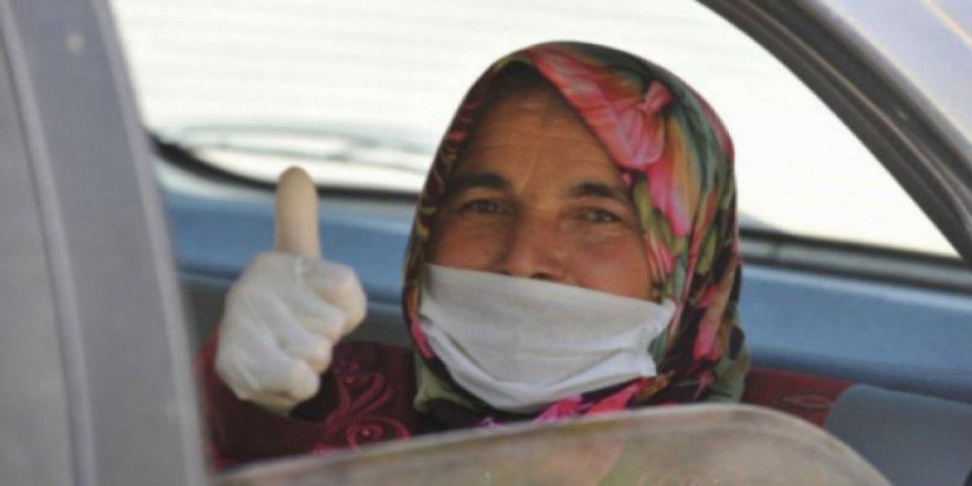 Bursa'da koronavirüsü yenen kadın konuştu! İçim yanıyor, dışım donuyordu